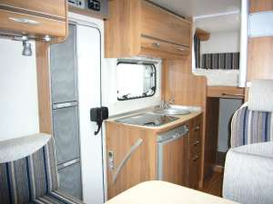 BURSTNER TRAVELVAN 570G